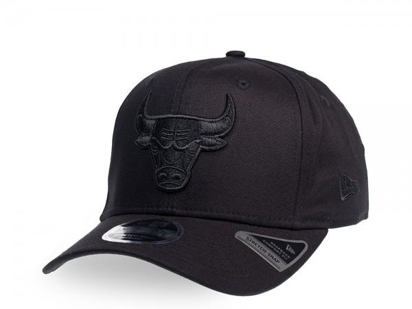 New Era Chicago Bulls Team Black on Black 9Fifty Stretch Snapback Cap